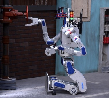 DRC-HUBO-Run-Linux-and-It-Just-Won-The-DARPA-Robotics-Challenge-484042-2